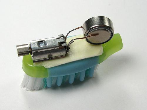 Зубная щетка своими руками поделки